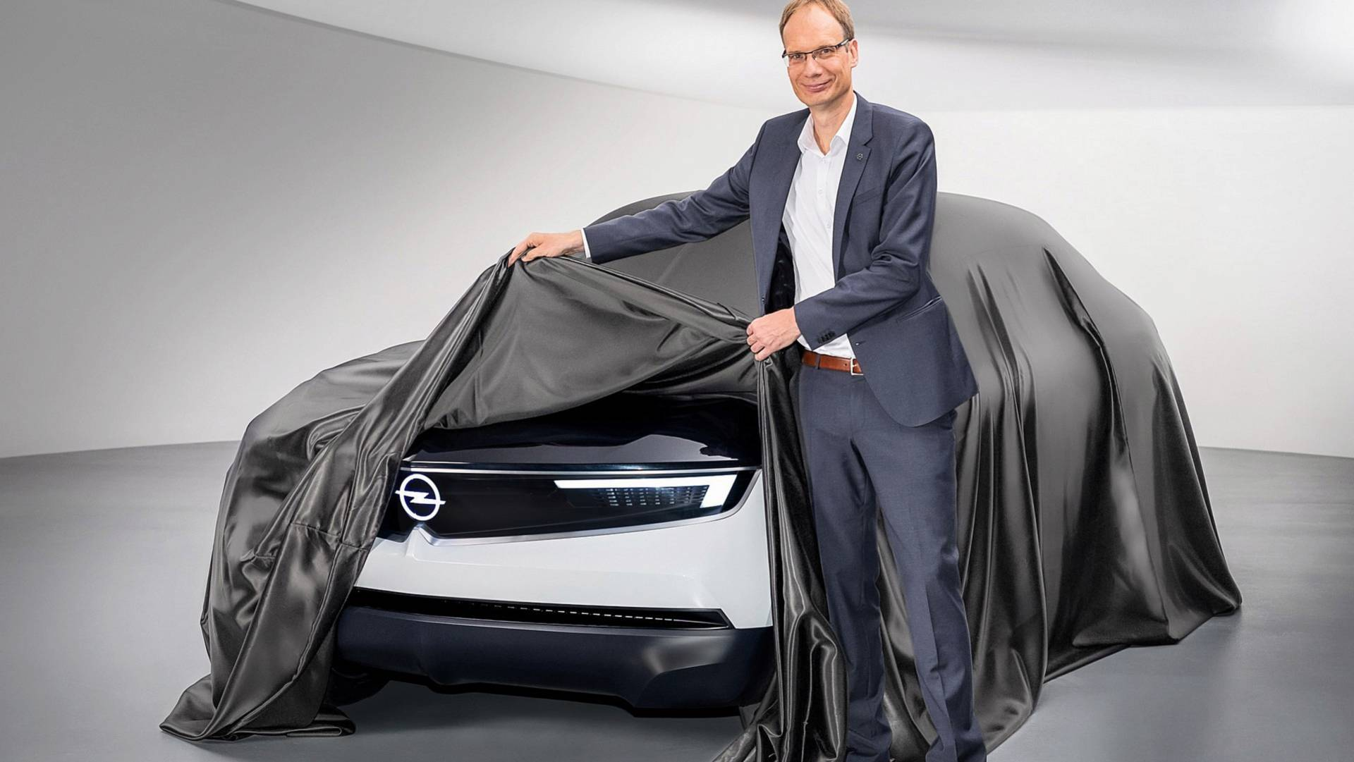 Opel GT X Experimental Concept Teaser Hints At Sharp Design