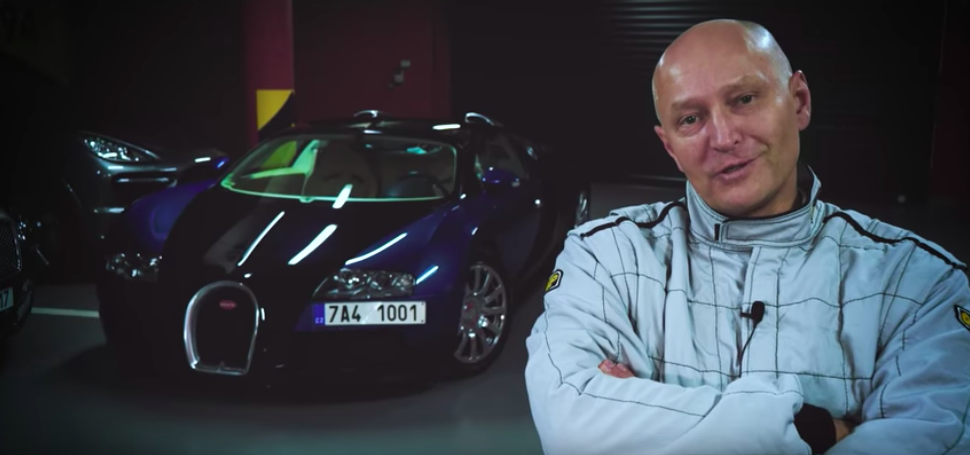 Watch The Crazy Guy Who Drove A Veyron 250 MPH On The Autobahn