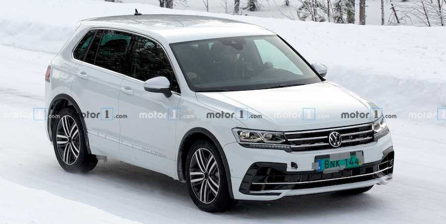 VW Tiguan R Spied Hiding Facelift While Showing Quad Exhaust