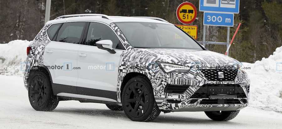SEAT Ateca Facelift Spied With New Grille, Headlights