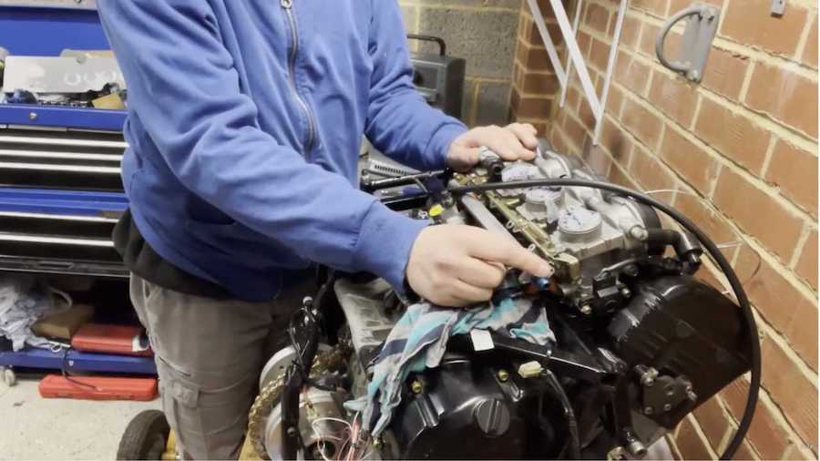 Blind Man Is Building Classic Mini With A Yamaha R1 Motorcycle Engine