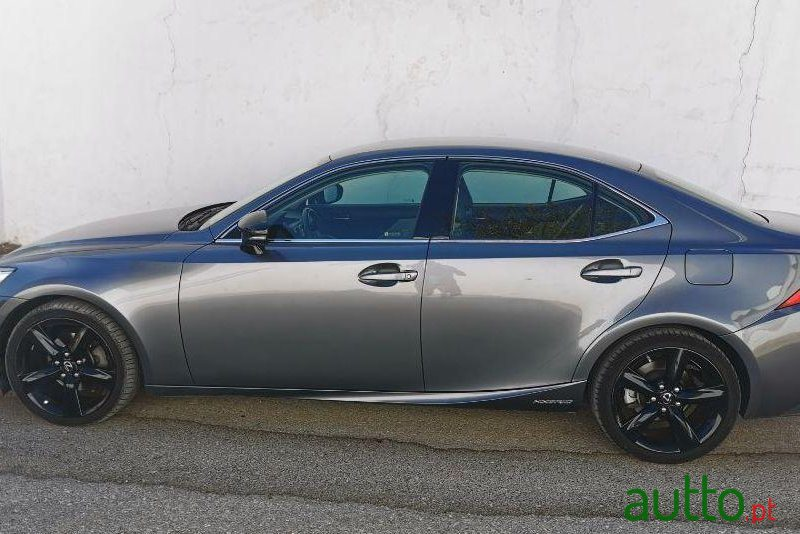 2015 Lexus Is 300H Ver-Pack-F-Sport em Loulé, Portugal - 3