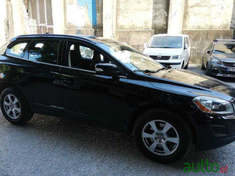 2010 Volvo Xc-60 2.0 D3 Drive Momentum in Lisbon, Portugal