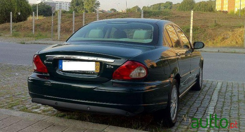 ... 2006 Jaguar X Type In Porto, Portugal ...