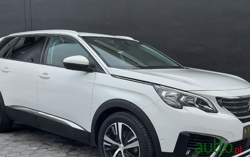 2019 Peugeot 5008 in Portimão, Portugal