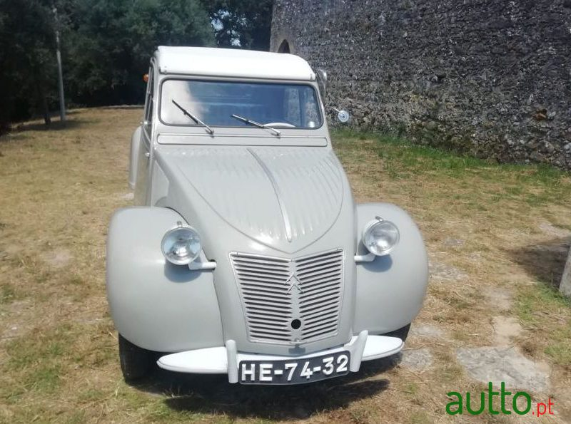 1959 Citroen 2CV in Leiria, Portugal - 4