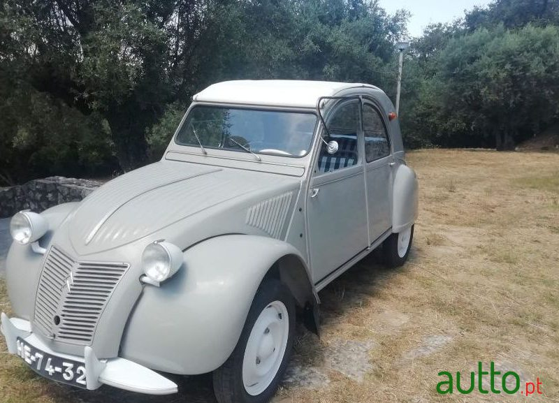1959 Citroen 2CV in Leiria, Portugal - 3
