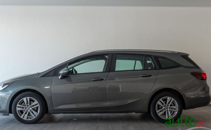 2017 Opel Astra Sports Tourer em Portalegre, Portugal - 4