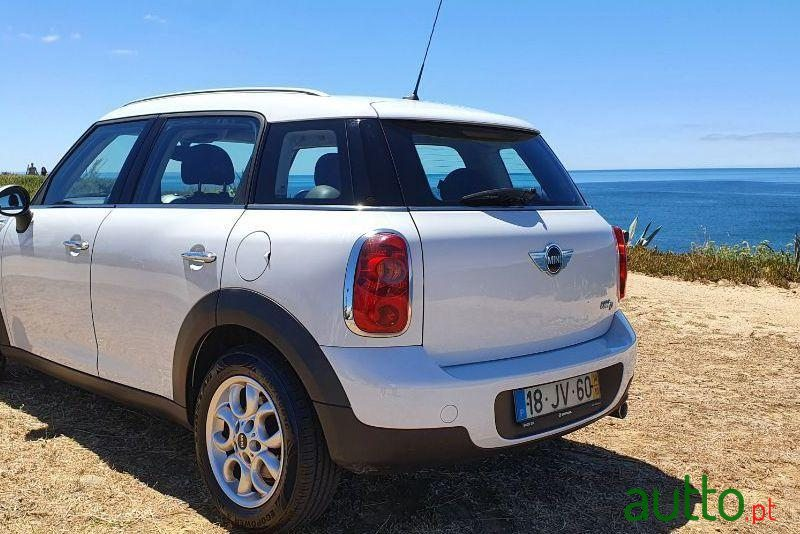 2010 Mini Countryman One D in Cascais, Portugal - 3