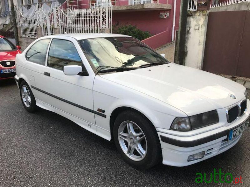 1995 39 bmw 318 compact tds para venda 2 000 porto portugal. Black Bedroom Furniture Sets. Home Design Ideas