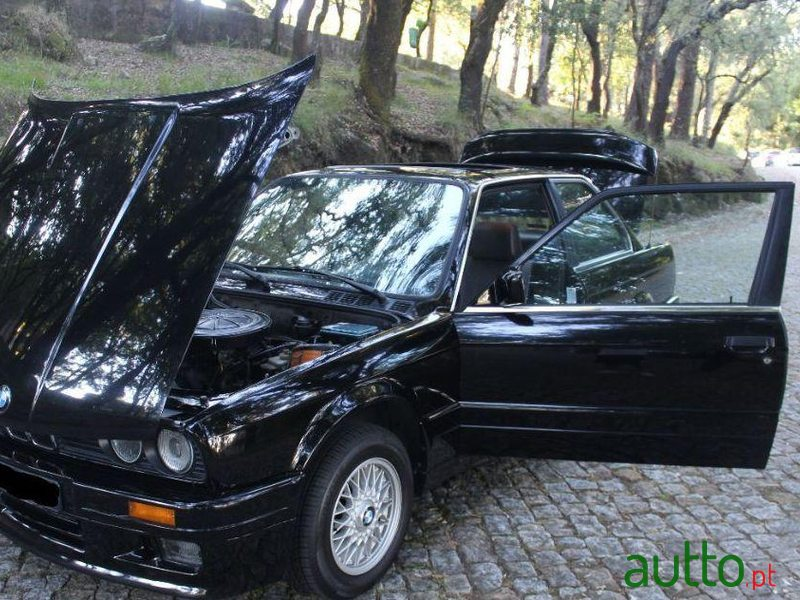 1988 BMW 316 in Paredes, Portugal - 3