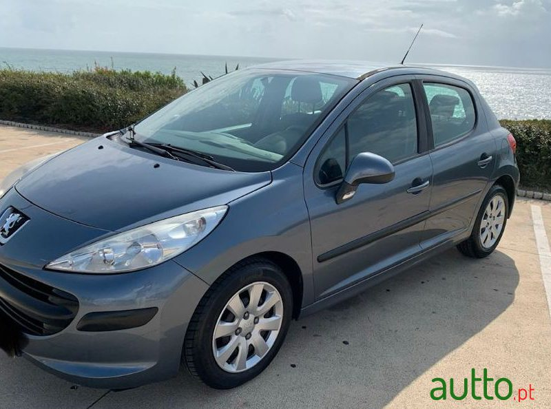 2006 Peugeot 207 in Cascais, Portugal - 3