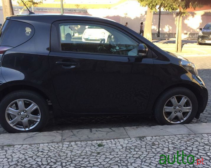 2009 Toyota IQ in Lisbon, Portugal