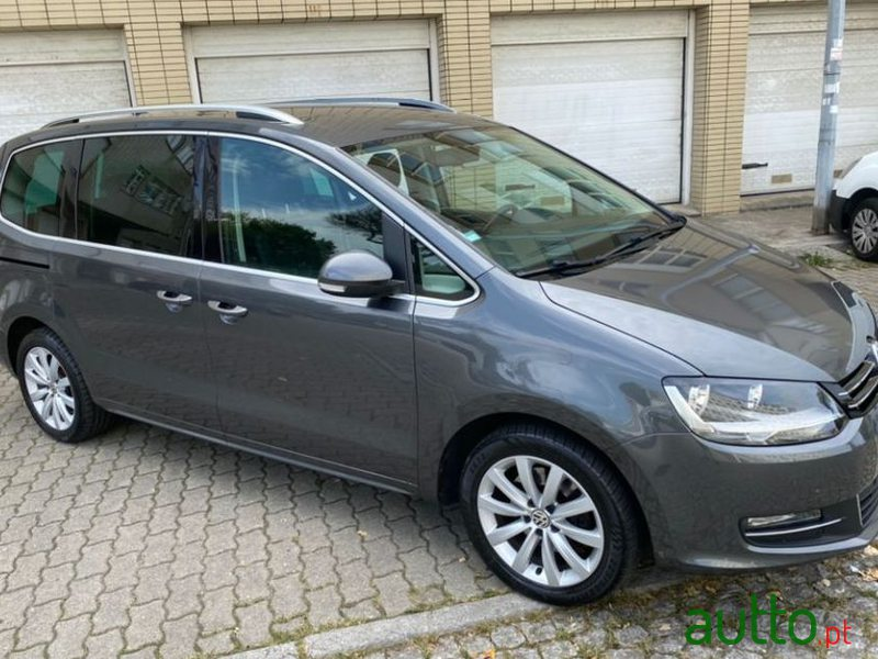 2011 Volkswagen Sharan 2.0 Tdi Highliine in Porto, Portugal - 2