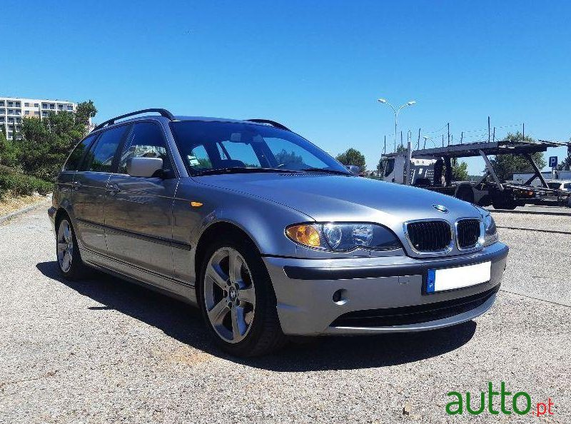 2003 BMW 330 in Oeiras, Portugal
