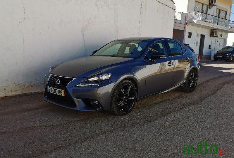 2015 Lexus Is 300H Ver-Pack-F-Sport em Loulé, Portugal