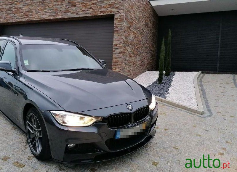2014 BMW 318 Pack M Performance em Santo Tirso, Portugal