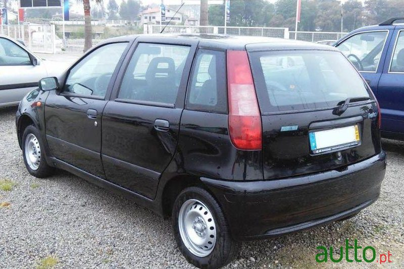 1998 39 fiat punto 55 s para venda 850 braga portugal. Black Bedroom Furniture Sets. Home Design Ideas