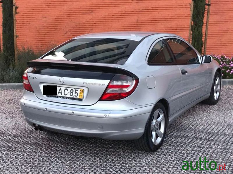 2005 Mercedes-Benz C-180 in Oeiras, Portugal - 3