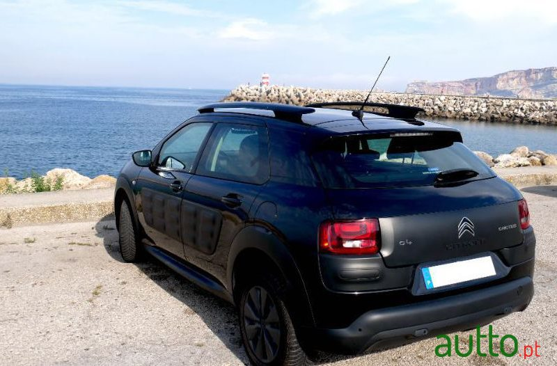 2018 Citroen C4 Cactus in Nazaré, Portugal