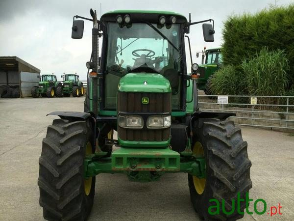 2003 John Deere 6420S in Horta, Portugal