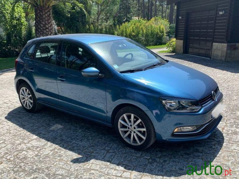 2016 Volkswagen Polo in Lisbon, Portugal - 2