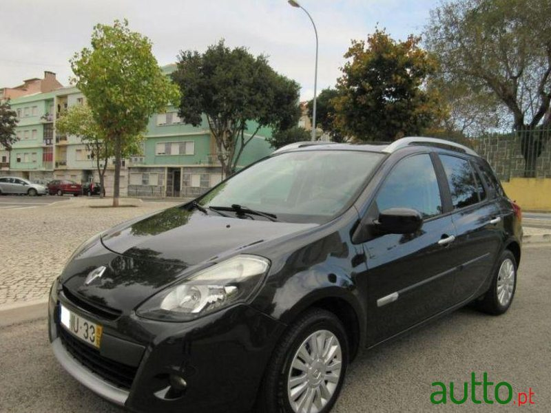 2010 39 renault clio break for sale 8 650 amadora portugal. Black Bedroom Furniture Sets. Home Design Ideas