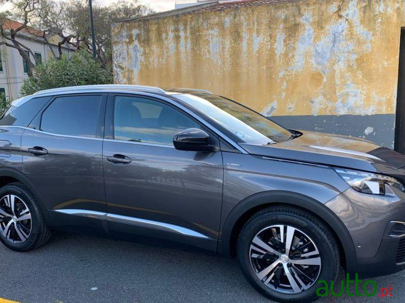 2020 Peugeot 3008 in Funchal, Portugal