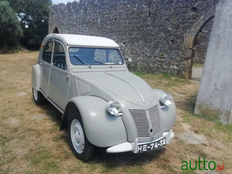 1959 Citroen 2CV in Leiria, Portugal