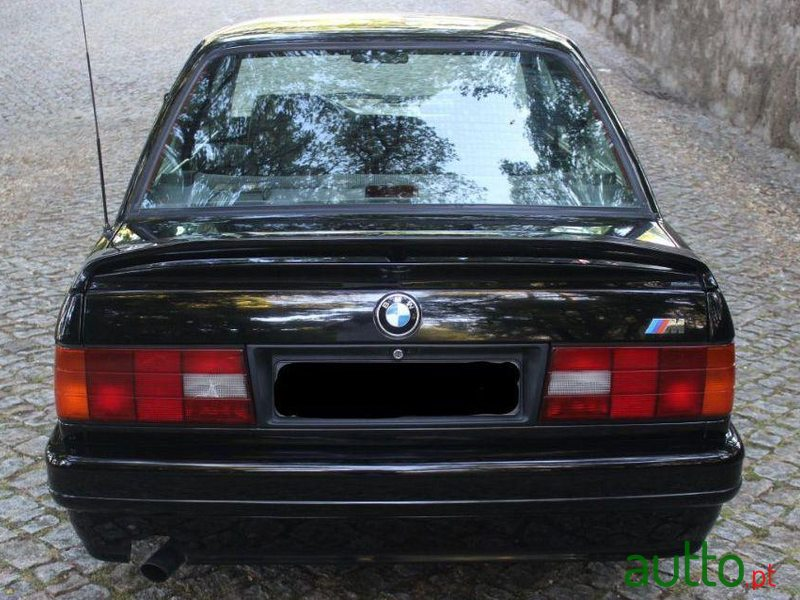 1988 BMW 316 in Paredes, Portugal