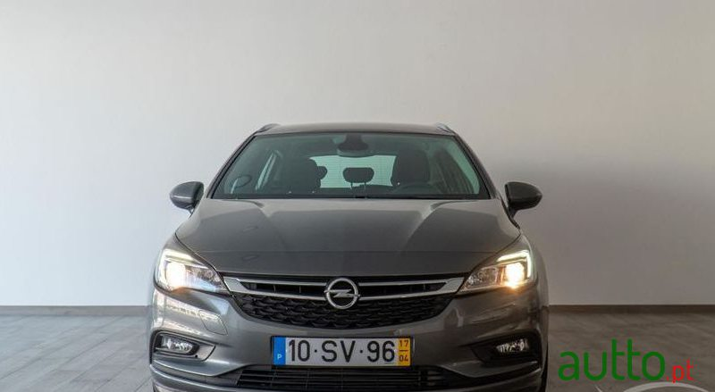2017 Opel Astra Sports Tourer em Portalegre, Portugal - 3