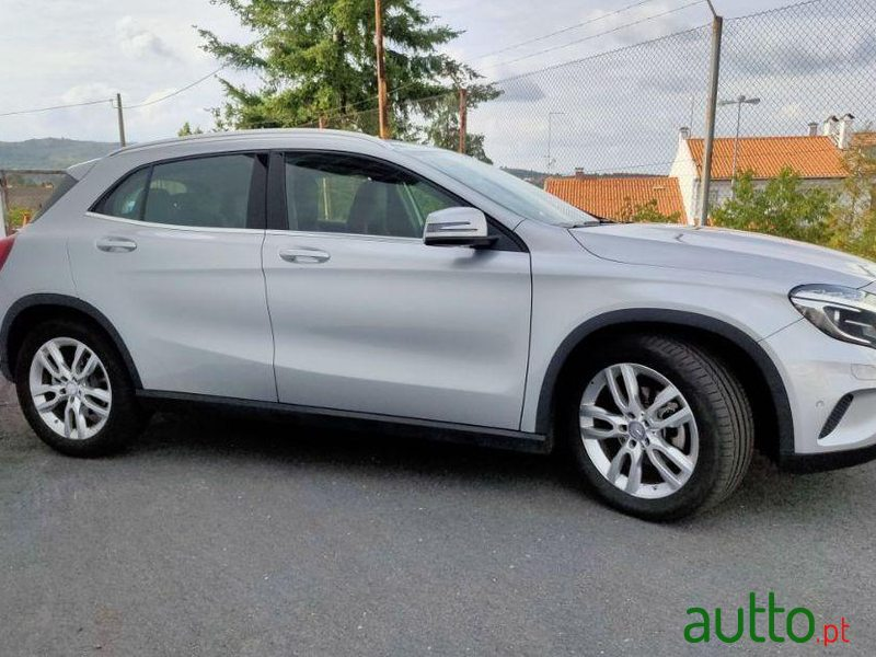 2015 Mercedes-Benz Gla-180 em Guarda, Portugal - 2
