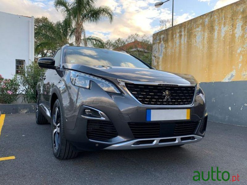 2020 Peugeot 3008 in Funchal, Portugal - 3